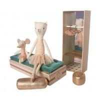 Baletnica kot i myszka w pudełku